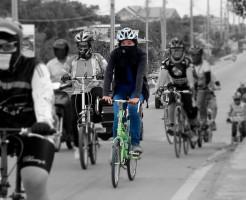 自転車ヘルメットイメージ