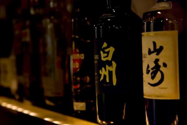 お酒イメージ